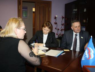 В местной общественной приемной «Единой России» г. Нижневартовска прошла «горячая» телефонная линия