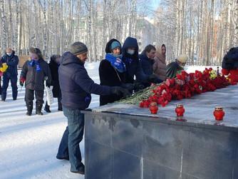 Десятки тысяч людей присоединились к акции «Единой России» «Защитим память героев»