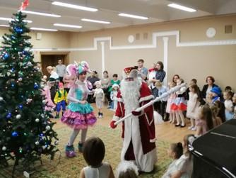 Сергей Великий помог организовать детский новогодний праздник