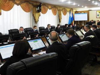 В преддверии Думы: депутаты провели заседания профильных комитетов