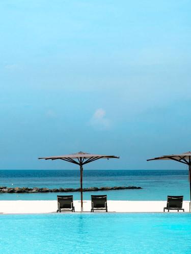St-Regis_Maldives-Beach