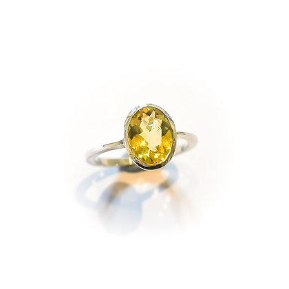 Yellow Beryl Tapered Ring