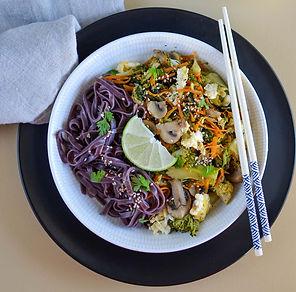 recette nouilles de riz, petits légumes et omelette