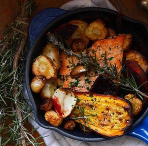 légumes racines rôtis et filets de truite
