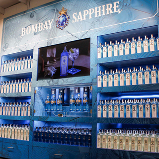 BOMBAY SAPPHIRE / DISPLAY SCANDLINES BORDERSHOP