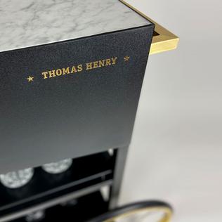 THOMAS HENRY / SERVIERWAGEN