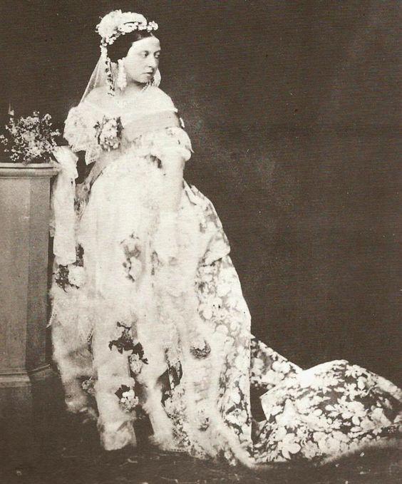 vestido de novia de la reina victoria de inglaterra
