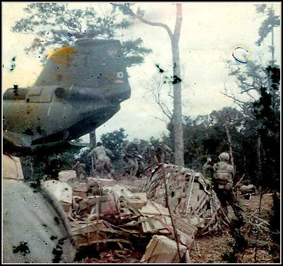 Mortar platoon lands on LZ Duster.jpg