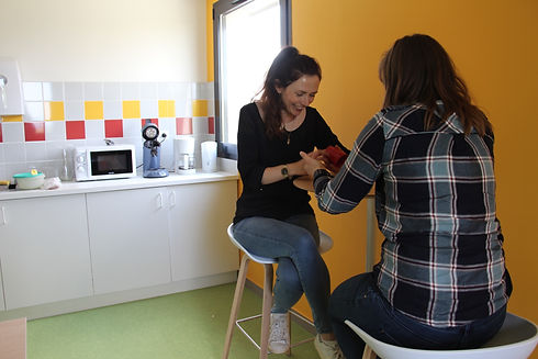cafétéria échanges entre coworkers à la rampe espace de coworking avranches normandie