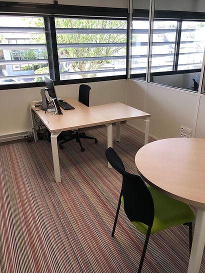 bureau de passage gratuit pour les coworkers nomades et résidens pour rdv entretiens La Rampe espace de coworking avranches