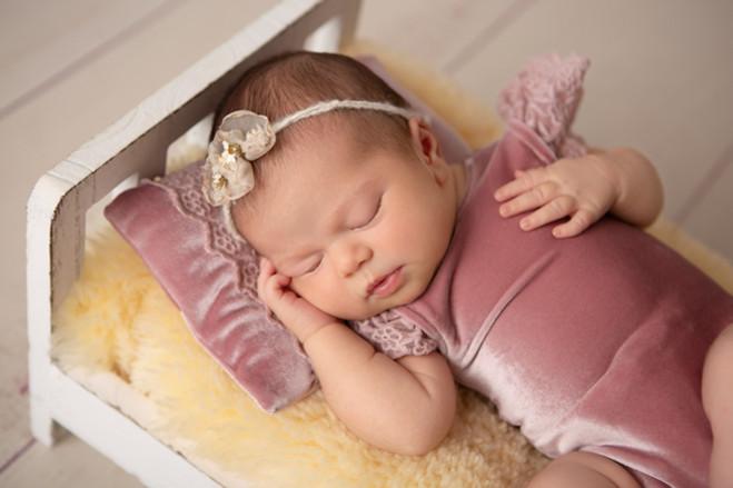Nora May Photography | Neugeborenen-Fotografie