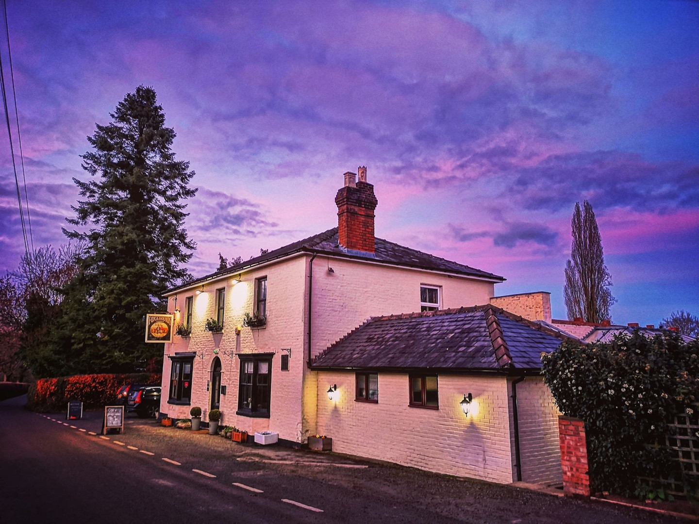 The Fox & Hounds at Lulsley Exterior