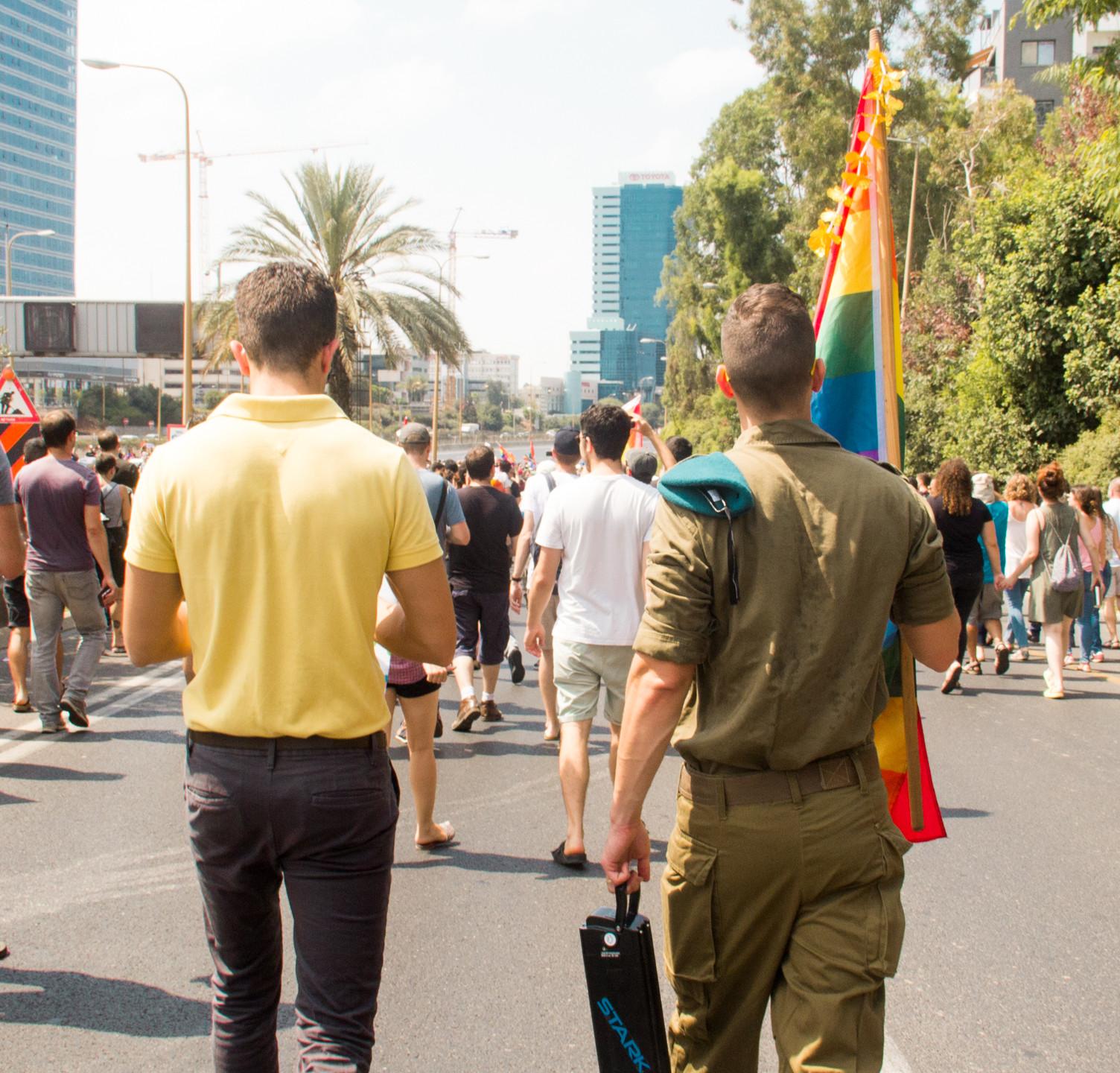 הפגנה לשוויון זכויות-2.jpg