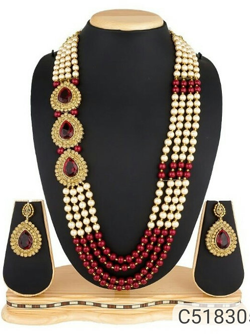 Striking Kundan Necklace Sets