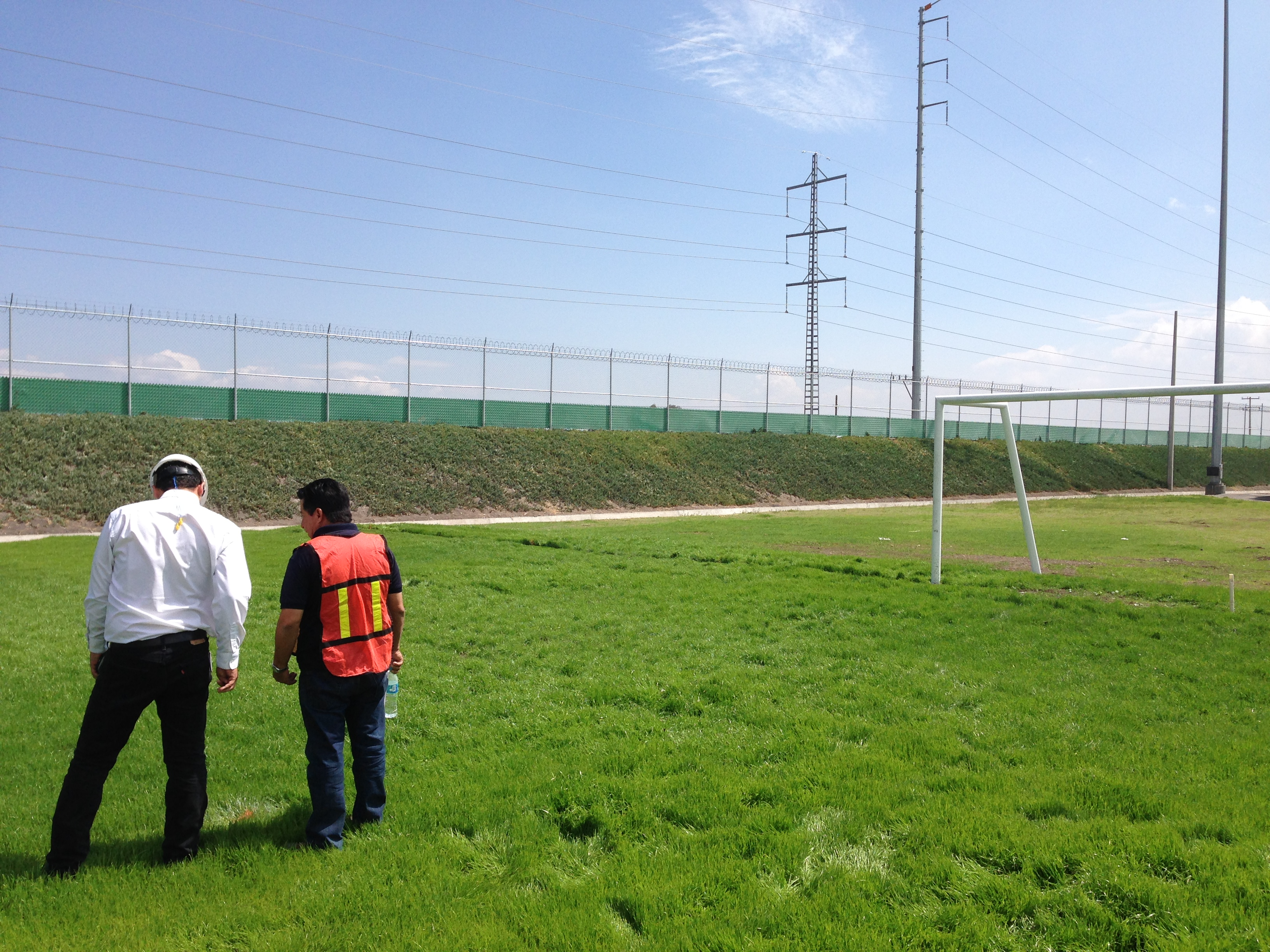 Construcción cancha de fútbol