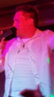 Schlagersänger Chris Herbst auf der Bühne in Hemer Cityschänke bei Laki