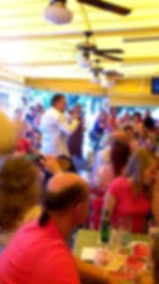 Schlagersänger Chris Herbst auf der Bühne Santa PoncaJürgen Drews Mallorc