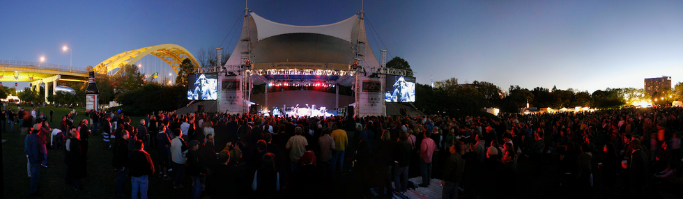 Concert pano.png