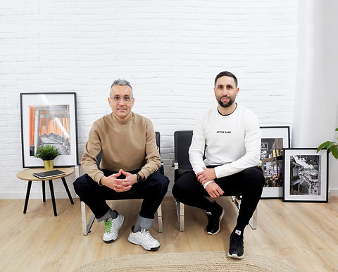 Fran y Juan Manuel diseñadores, modelist