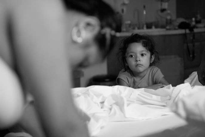 Big sister witnesses the power of her mother's body first-hand