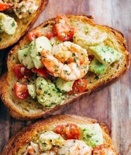 Cafe Delites Shrimp Avocado Garlic Bread
