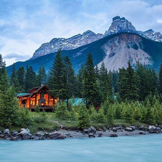 Cathedral Mountain Lodge | Field, BC
