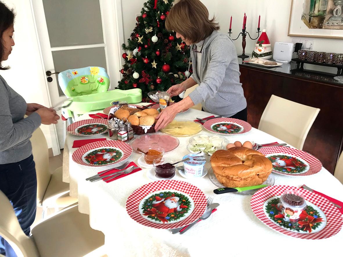 CHRISTMAS FEAST AT AVGI'S HOME