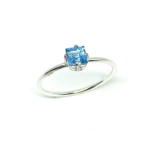 Anel Prata 925 com Topázio Azul