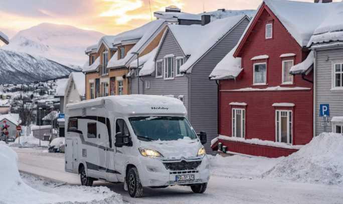Conduite sur neige d'un camping car