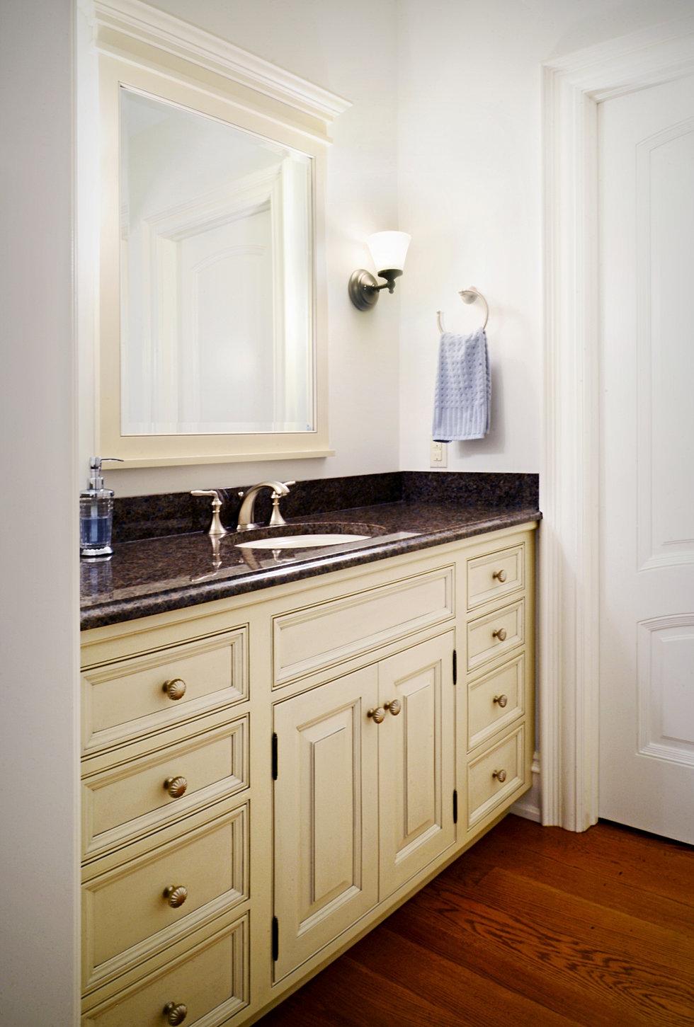 Stylecraft cabinets - Bathroom Vanities