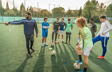 foot etude en academy france.png