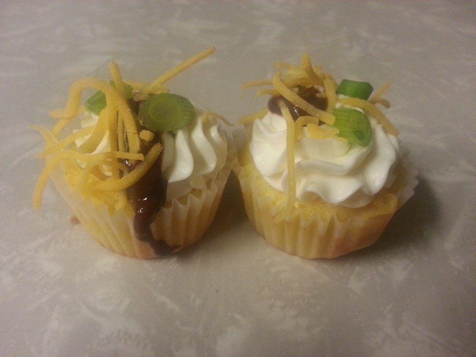 Chili & Cornbread Cupcake