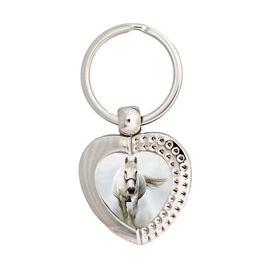 Heart metal key-ring white horse in mist image front view