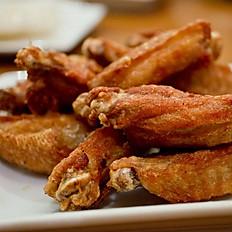 4. Crispy Wings ปีกไก่ทอด