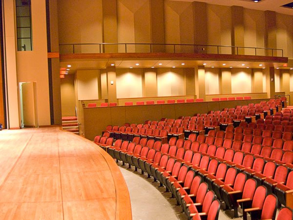 Lee College Performing Arts Center