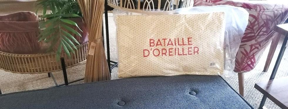 """Coussin """"Bataille d'oreiller"""""""
