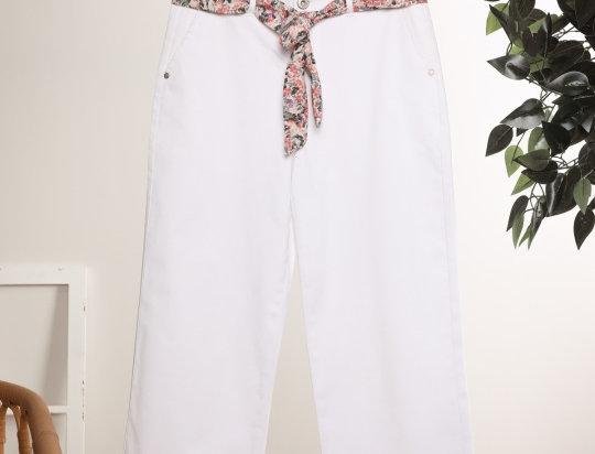 Pantalon blanc avec ceinture fantaisie