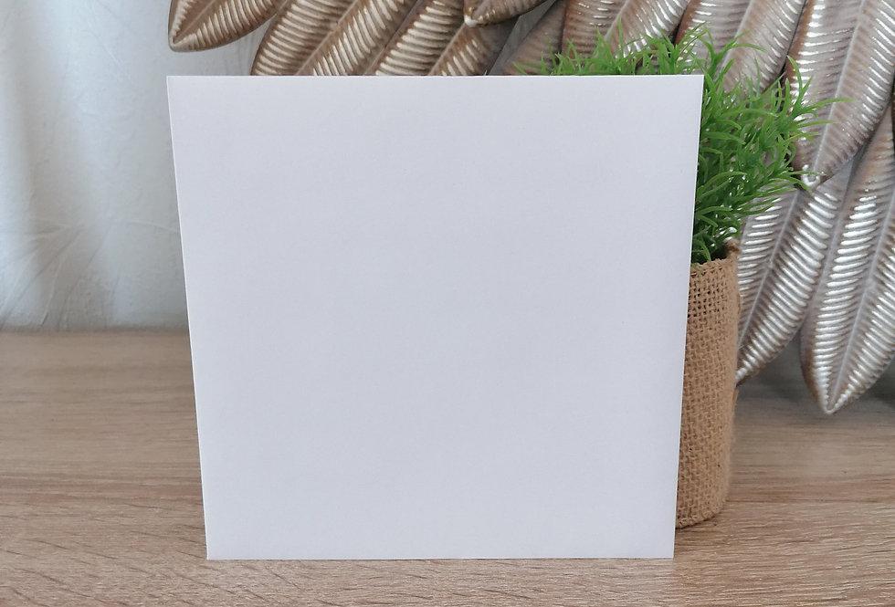 Enveloppe blanche pour carte