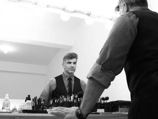 #ENTREVISTA: Anderson Bueno, visagista de Hebe, o Musical