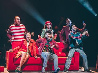 """""""Jingle Bus"""" traz ao palco a magia do natal e a esperança para um novo ano"""