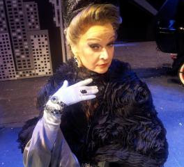 """Crazy For You"" estreia no Teatro Bradesco e Liane Maya conta como é viver dois papéis no mesmo musi"