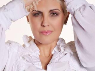 """#ENTREVISTA Naíma fala sobre seu novo disco """"Poesia Insana"""""""