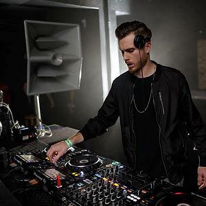 DJ Tsunami throwing down at a club in Chicago