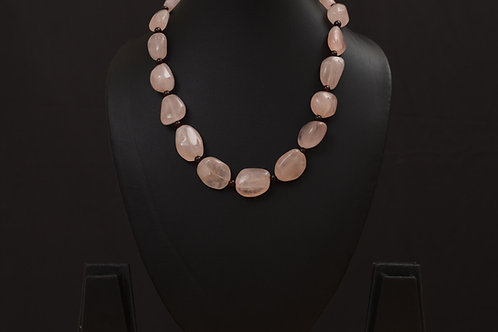 Lasya Necklace with morgonite stones PSLA180032