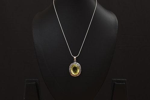 Lasya Pendant with chain LA0047