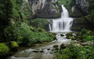 lacs-cascades-billaude-jura.jpg