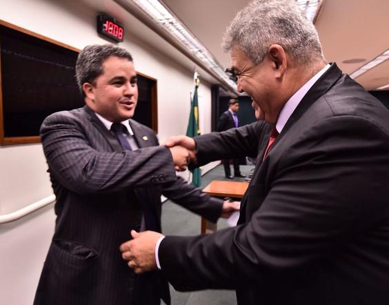 Deputado Efraim Filho é o novo líder do Democratas na Câmara