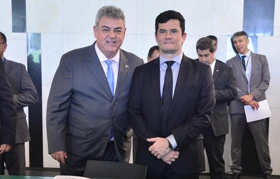 Deputado Misael Varella participa do lançamento da Frente Parlamentar de Segurança Pública