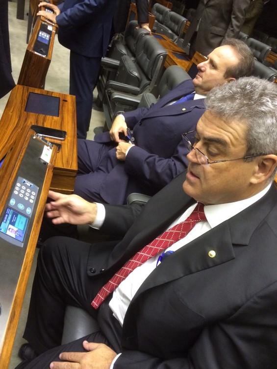 Misael Varella participa de sua primeira votação na Câmara dos Deputados