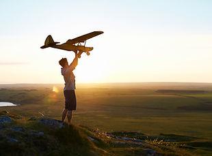 Man bereitet ein Flugzeug fliegen